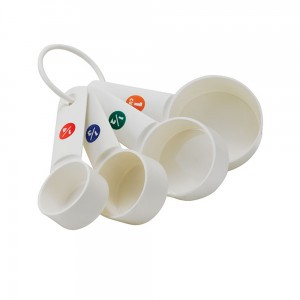 plastic-measuring-cup-set